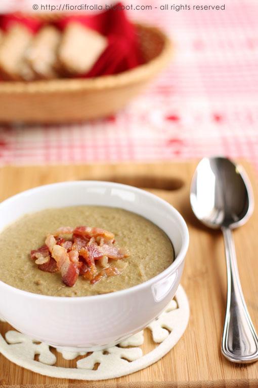 Zuppa di lenticchie al rigatino affumicato croccante