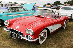 Chevrolet Corvette (R.K.C. Photography) Tags: 921yut chevrolet corvette classic american sportscar knebworthclassicmotorshow 2016 hertfordshire england stevenage unitedkingdom uk canoneos100d 1959