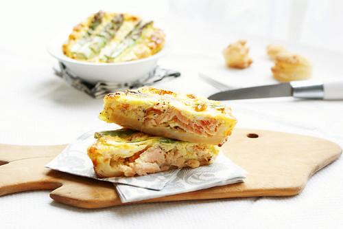 Aspargus salmon tart