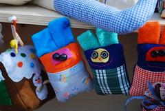Le creature di Cimozia (alfiogreen) Tags: colore dolly bottoni nastri tessuto bamboledipezza pannolenci cimozia cimozietti