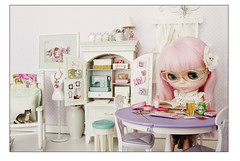 It was 6:30 a.m. (Princess Di-O-Rama) Tags: panic blythe rement mylittlecandy mattelcabinetsewingmachinetable drblythensteinart kittykatdancepostcards bluenestboutiquesweater