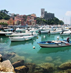 Dolce Vita in Lerici (! .  Angela Lobefaro . !) Tags: flowers trees sea sky italy seascape tree church nature water architecture clouds landscape boats bay boat bravo italia mare village view action harbour yacht patterns liguria ligury unesco genoa genova cielo nubes vista yachts chateau nuages schloss portofino castello castillo italians weltkulturerbe caste lerici holidaysvacanzeurlaub angiereal angelamlobefaro gettyvacation2010