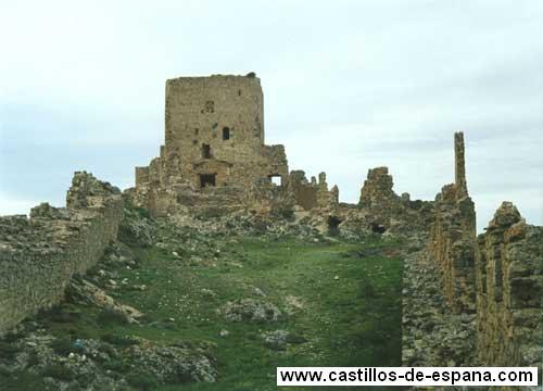 Ruinas del Castillo de Moya
