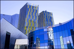Las Vegas (Bert Kaufmann) Tags: vegas blue usa yellow architecture america skyscraper blauw skyscrapers unitedstates lasvegas nevada strip thestrip amerika citycenter geel architectuur lasvegasboulevard newcitycenter citycenterlasvegas veertowers newcitycenterlasvegas