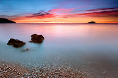my worlds (natalia martinez) Tags: azul canon mar rojo seda isla rocas amanece 40d nataliamartinez