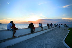 Brazil - lovers at sunset (jan dirkx) Tags: sunset brazil love hugging kissing couples lovers bahia salvador pontadohumait