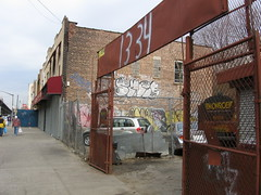 Southern Blvd, South Bronx in 2007 (by: straightedge217, creative commons license)