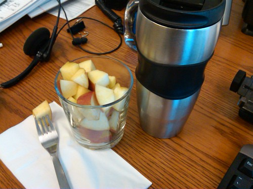 snack: apple chunks, raw milk latte