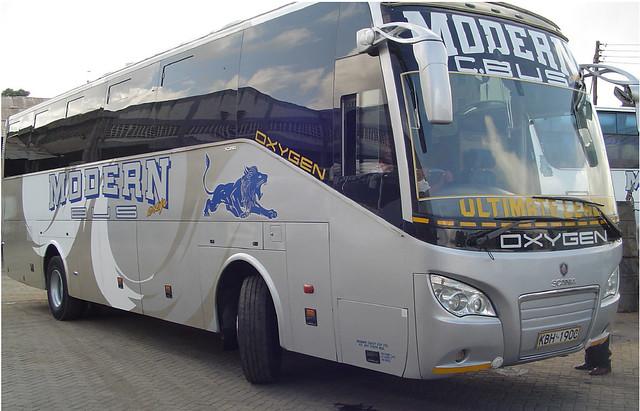 Modern Coast Bus Oxygen1