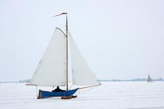 Ice sailing, Gouwzee, the Netherlands (sensaos) Tags: schnee winter snow cold holland netherlands dutch sport zeilen europa europe sneeuw nederland tradition nederlands noordholland ijs noord the monnickendam traditie gouwzee ijszeilen