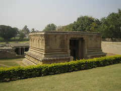 600. Hampi (18): Gopuram (Gateway) (profmpc) Tags: stone underground stonecarving gateway hampi shivatemple gopuram vijayangara krishnadevarayar