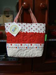Bolsa Petit (Carina Esteves) Tags: fabric bolsa menina tecido bolsinha bolsainfantil decolello carinaesteves bolsinhademenina
