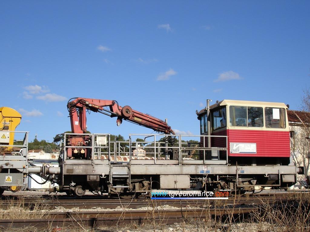 Une draisine DU 84 (immatriculée MR 7-108) en stationnement au dépôt SNCF d'Aubagne (Bouches-du-Rhône)