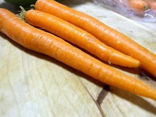 Carrot apple cupcake - three carrots
