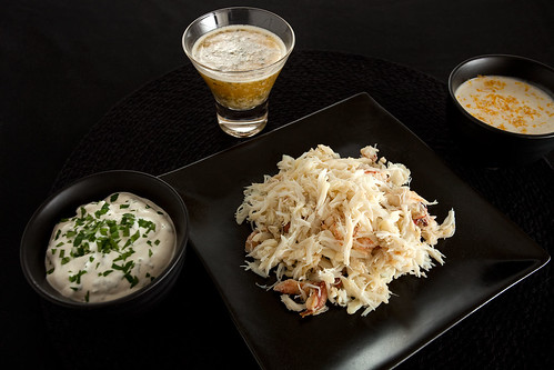 Shredded crab with sauces
