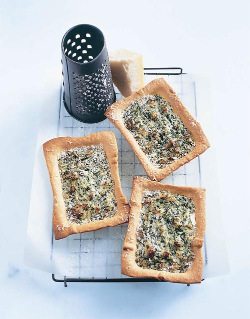 Donna Hay Spinach Ricotta Dill Mini Pies
