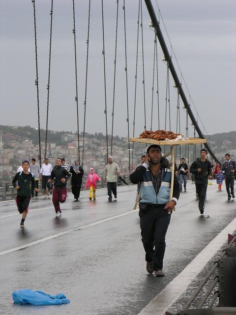 4021888457 7e1934a6a2 z Isztambul Eurázsiai Maraton (32)