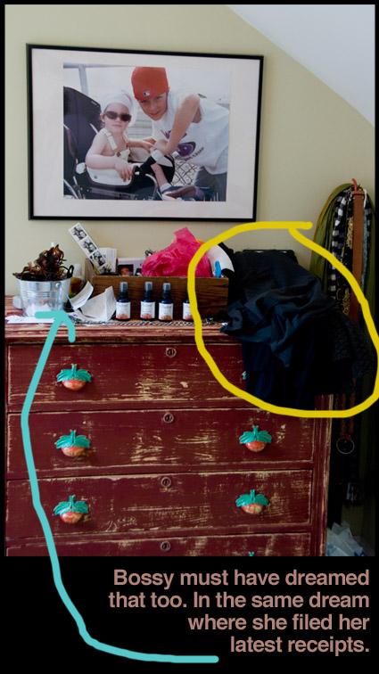 cluttered-bureau