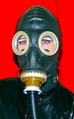 HOSE1 (horpach) Tags: fetish mask goggles rubber latex gasmask gummi maske fetisch gasmaske breathplay