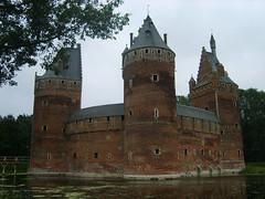 Kasteel, Beersel (Erf-goed.be) Tags: geotagged beersel kasteel burcht vlaamsbrabant waterburcht archeonet geo:lon=43 kasteelvanbeersel geo:lat=507656