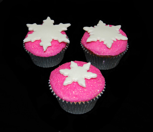 pink glittery snowflake cupcakes