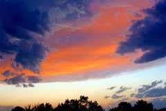 the sky never (spysgrandson) Tags: sunset sky storm clouds texas ominous sony sonycybershot threateningclouds spring09 therebeastormabrewin spysgrandson