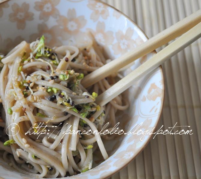 soba noodles con germogli di cavolo broccolo