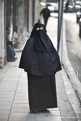 Nothing about her | Amman (Jordan) (andrea erdna barletta) Tags: portrait glasses retrato amman hijab portrt jordan arab niqab portret jordanie jordania giordania  khimar  erdna andreabarletta  portrt  canon5dmarkii andreaerdnabarletta wwwerdnait almamlakaalurdunniyyaalhshimiyya almamlakaalurdunniyyaalhashimiyya  burqawoman