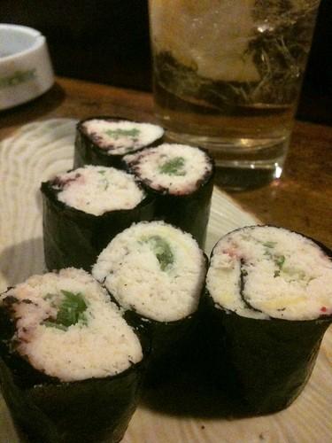 吉祥寺、美舟。キラスというおからの寿司っぽいやつ。これは めちゃめちゃ美味い。絶対に食うべき逸品。
