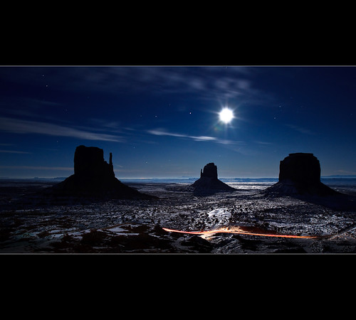 Moonlight reflexion on the snow in Monument Valley - The Mittens - Arizona