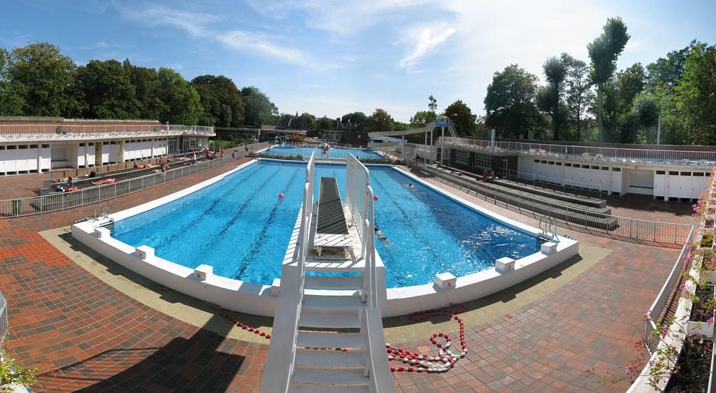 Openluchtzwembad Kortrijk