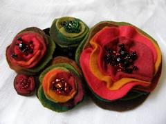 jewellery (piornik) Tags: flower beads pin brooch jewelry felt jewellery kwiat kolorowe bizuteria koraliki biuteria broszka filc