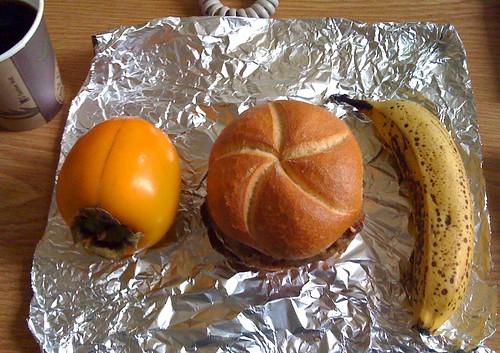 Kaki, Frikadelle & Banane