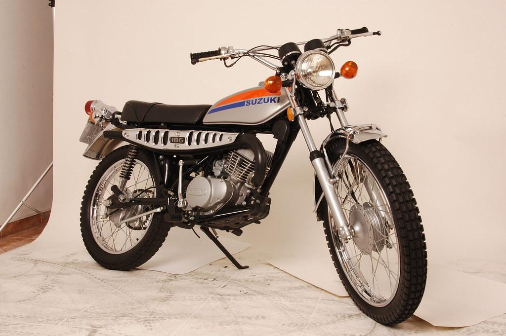 15a7533d89d Suzuki TS185   1974 (Motos Clássicas 70) Tags  trail ts ts185 suzukits185  crossantiga