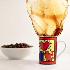 coffee & extrem Splash (dongga BS) Tags: coffee kaffee splash highspeed spritzer canoneos50d ef50mmf12lusm frozenmovment