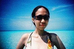 sheila at boracay (darkcanopy) Tags: blue vacation portrait people film analog lomo lca xpro lomography crossprocessed phil lka crossprocess philippines lofi slide lomolca lightleak photograph 1984 analogue boracay agfa ph russian cyrillic vignetting agfaprecisa vignette  analogphotography lomograph 84 lowfi compactcamera  russiancamera filmphotography xprod agfactprecisa100 omo agfactprecisa lomolove analoguephotography cyrilliclettering ka omoka russiancam