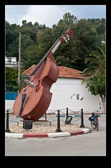 Tabarka Jazz Festival (Ulrich Mnstermann) Tags: africa tn tunisia events transport roundabout location transportation contrabass theme afrika tunisie tabarka barga  jendouba  republicoftunisia rpubliquetunisienne jendoubagovernorate thabarka  tabarkajazzfestival