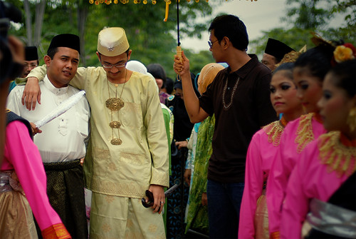 2009-12-05-groom-01-800w