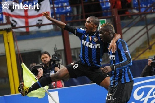 Eto'o and Balotelli are celebrating