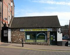 Sandwich Bar, Tring High Street (Snapshooter46) Tags: building shop tring