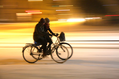Copenhagen Snow Cycling Left to Right 07