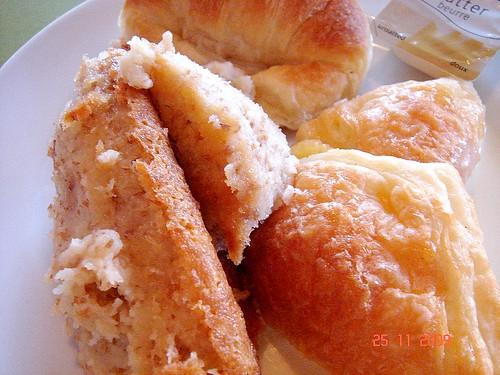 DSC02109 Croissant , Bread Pudding