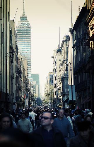 luisar-/busy-street