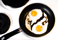 The yin and yang of cooking (Maron) Tags: white black cooking yellow oven egg hobby eggs frying supermarion marionnesje twphch twphch040