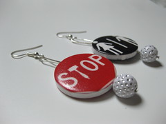 Stop!Toilette! (Indossabile Creazioni) Tags: beads handmade bijoux creazioni legno jewerly smok sigarette gioielli orecchini indossabile misshobby
