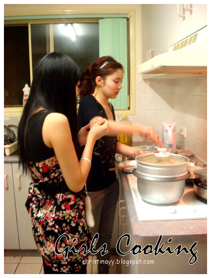 Asian Cooking: Girls Cooking