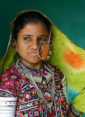 Gujarat - Kutch (jmboyer) Tags: voyage travel portrait people woman india tourism colors girl face rural portraits canon photo eyes asia flickr colours village faces photos expression couleurs indian femme traditional picture culture tribal viajes lonely asie lonelyplanet monde ethnic minority escalier couleur islamic gujarat tourisme visage inde reportage nationalgeographic kutch bhuj  minorities travelphotography greatrannofkutch jan googleimage  go indiatourism colorsofindia tribus incredibleindia lurvely indedunord plerins hodka indedusud canonfrance earthasia artofimages jmboyer raijpoute img2718dxo northemindia dackr