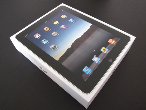 iPad (2010) Unpacking and Accessory Gallery