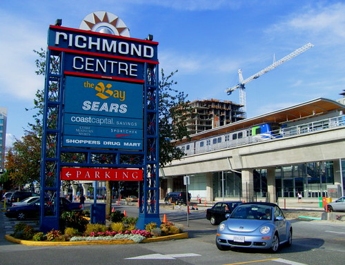 Brighouse Skytrain Terminus und Richmond Centre Shopping Mall