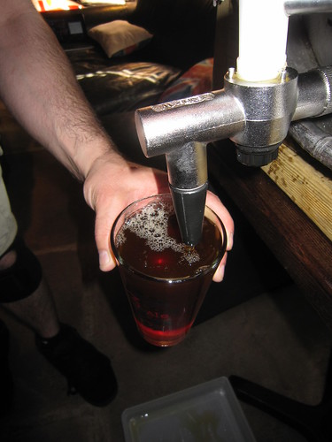 Pouring the firkin (02)